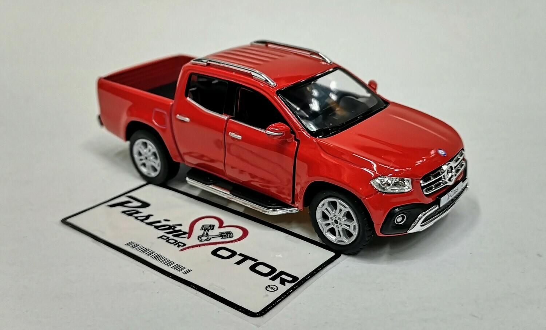 1:42 Mercedes Benz Clase X Pick Up 2017 Rojo Kinsmart En Display / A Granel