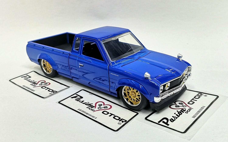 1:24 Datsun 620 Pick Up 1972 Azul Jada Toys JDM Tuners Nissan En Display / A Granel