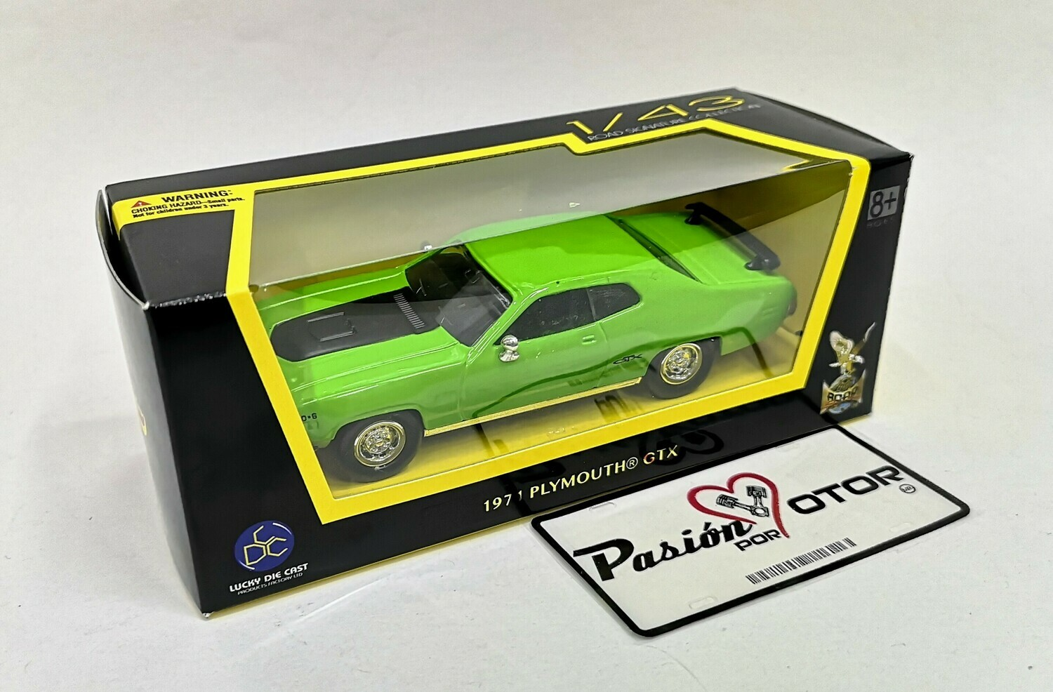 1:43 Plymouth GTX 1971 Verde Lucky Die Cast Road Signature Collection