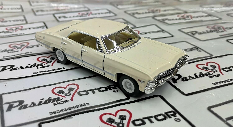 1:43 Chevrolet Impala Sport Sedan 1967 Beige Kinsmart En Display / a Granel