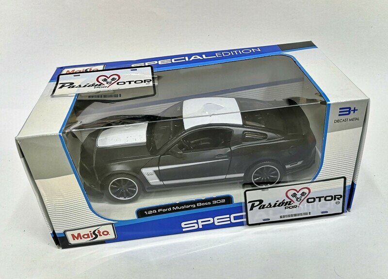 Maisto 1:24 Ford Mustang Coupe Boss 302 2012 Negro Mate Special Edition Con Caja