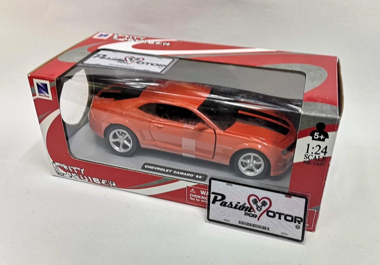 1:24 Chevrolet Camaro SS 2010 Naranja C Franjas New Ray City Cruiser C Caja