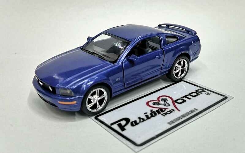 1:38 Ford Mustang GT 2006 Azul Kinsmart En Display a Granel 1:32 Shelby