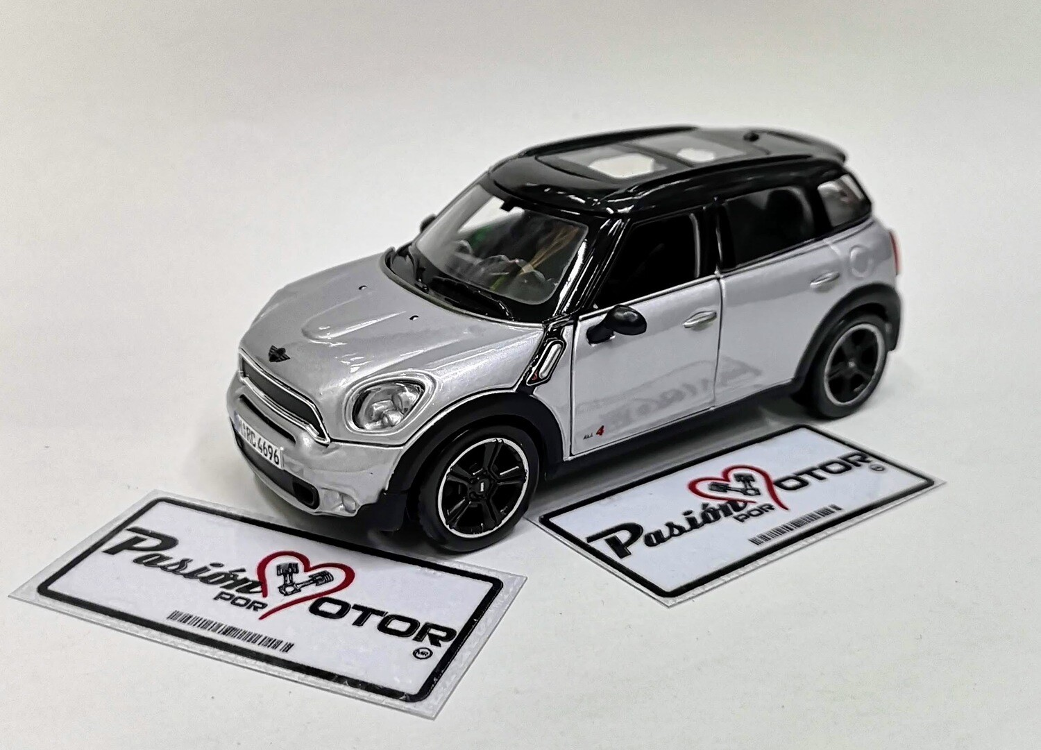 1:24 Mini Cooper Countryman 4all 2010 Plata Maisto Special Edition En Display / A Granel