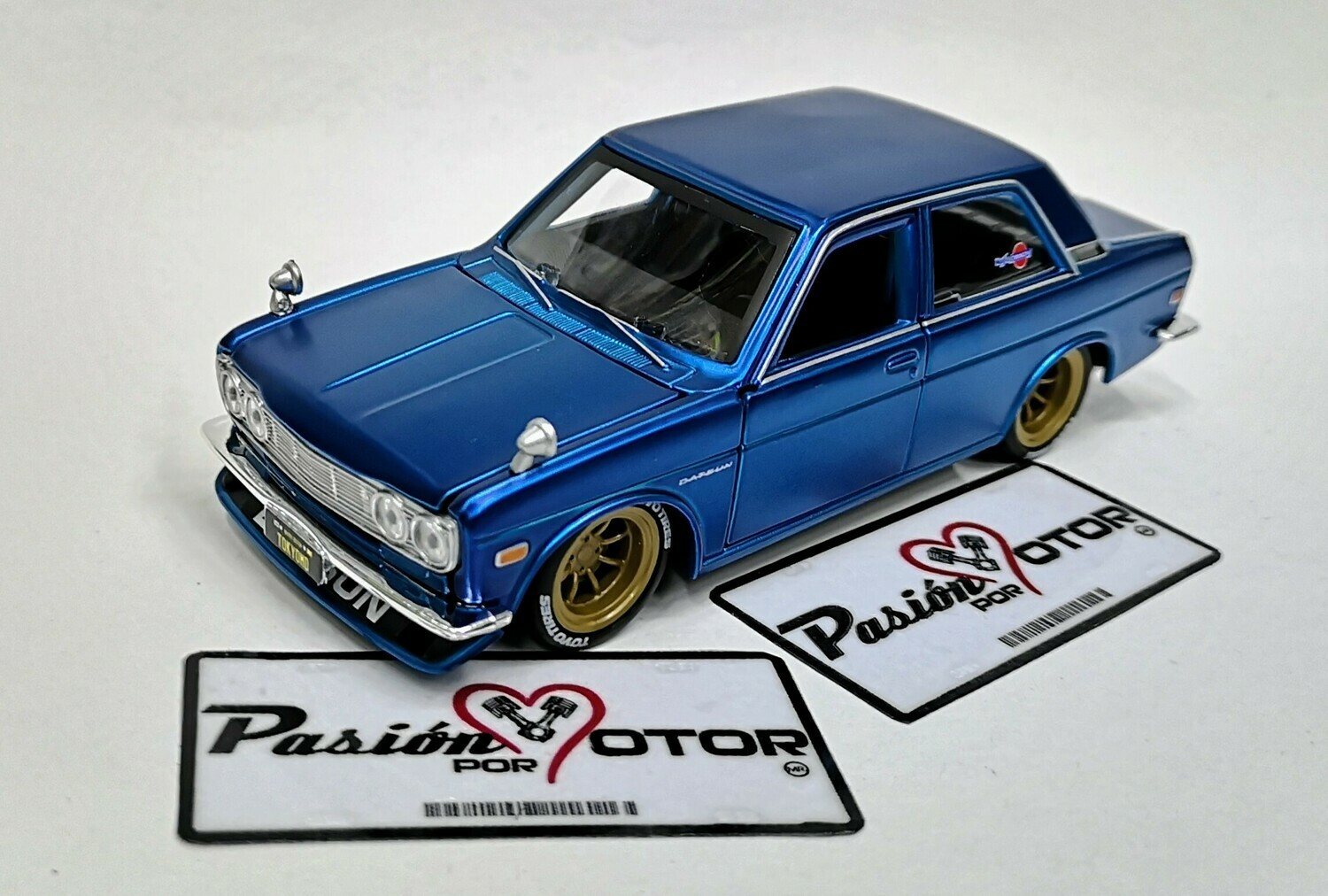 1:24 Datsun 510 Coupe 1971 Custom Azul Maisto Design En Display / A Granel