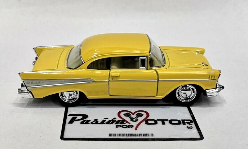 1:40 Chevrolet Bel Air Coupe 1957 Amarillo Kinsmart En Display a Granel 1:32