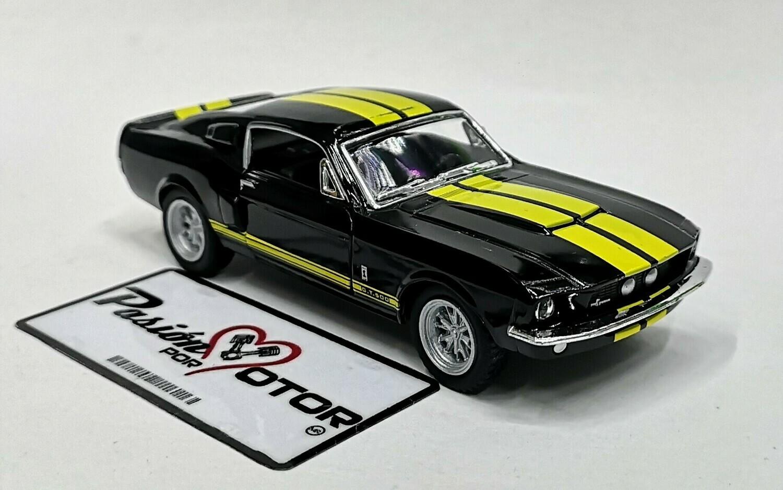 1:38 Ford Shelby GT-500 1967 Negro C Franjas Amarillas Kinsmart En Display / a Granel 1:32