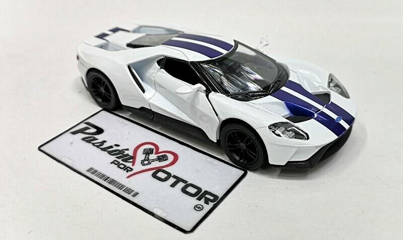 1:38 Ford GT 2017 Blanco Franjas Azules Kinsmart En Display a Granel 1:32 Shelby