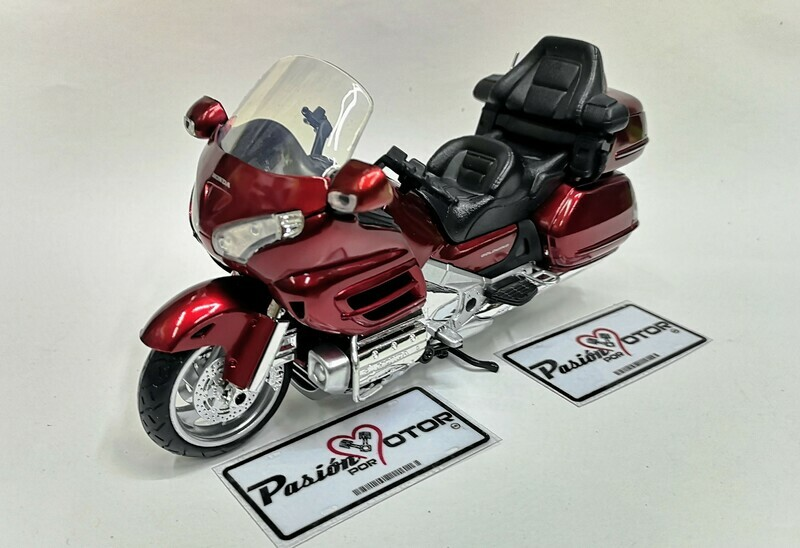 1:12 Honda Gold Wing 2010 Rojo Candy New Ray Moto