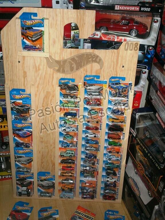 Tablero Coleccionador de Pared En Madera Para 76 Piezas 1:64 Tipo Hot Wheels con Empaque / Blister