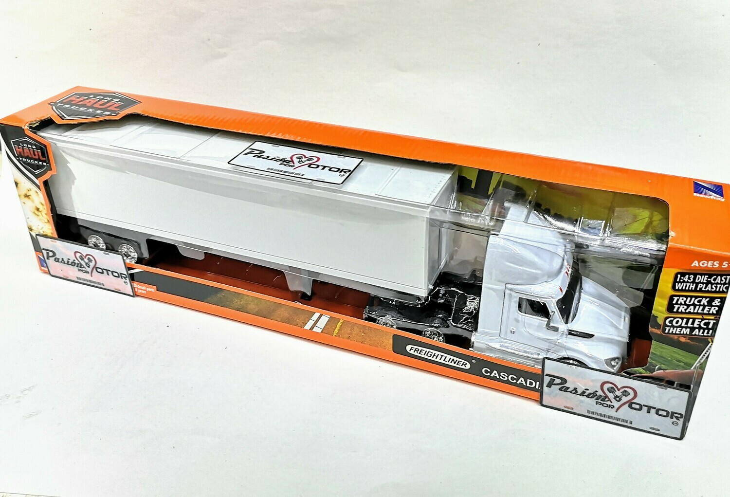 1:43 Freightliner Cascadia 2018 Day Cab Con Trailer Caja Seca Blanco Liso New Ray