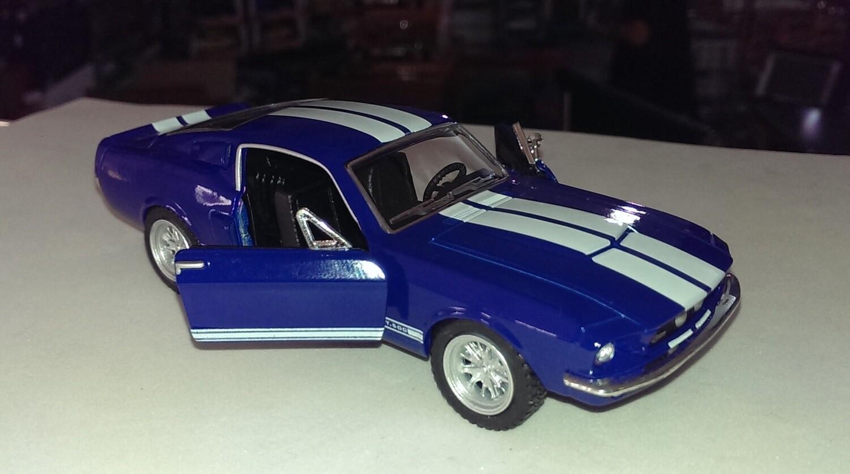 1:38 Ford Shelby GT-500 1967 Azul C Franjas Blancas Kinsmart En Display / a Granel 1:32
