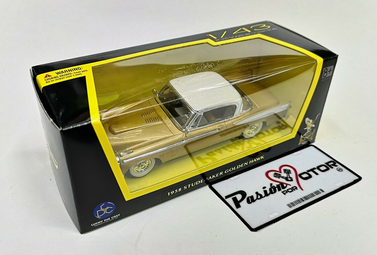 1:43 Studebaker Golden Hawk 1958 Ocre Lucky Die Cast Road Signature Collection