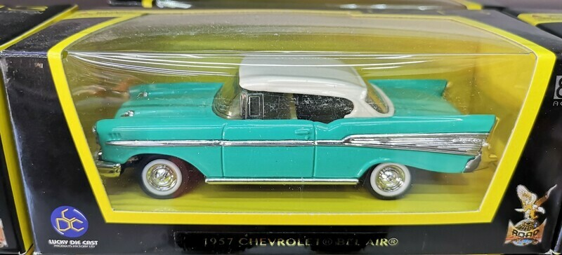 1:43 Chevrolet Bel Air Coupe 1957 Verde Turquesa Lucky Die Cast Road Signature Collection