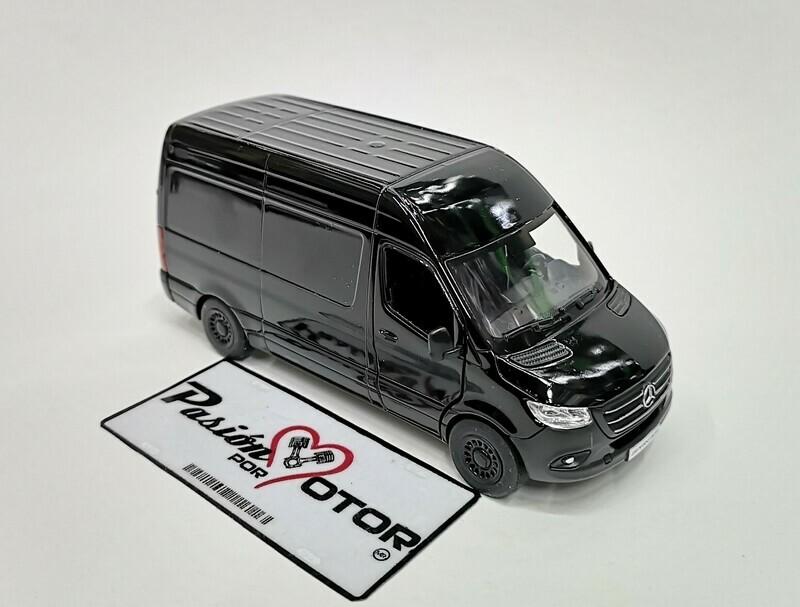 1:48 Mercedes Benz Sprinter Techo Sobreelevado 2020 Negro Kinsmart En Display / a Granel