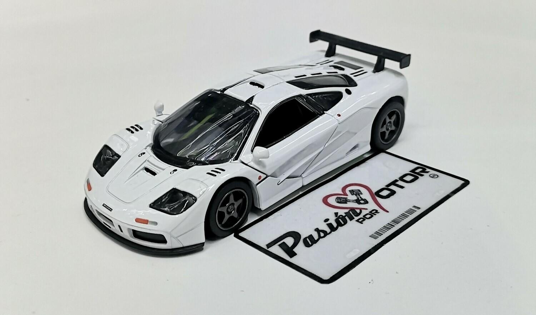 1:34 McLaren F1 GTR 1995 Blanco Kinsmart Display / A Granel