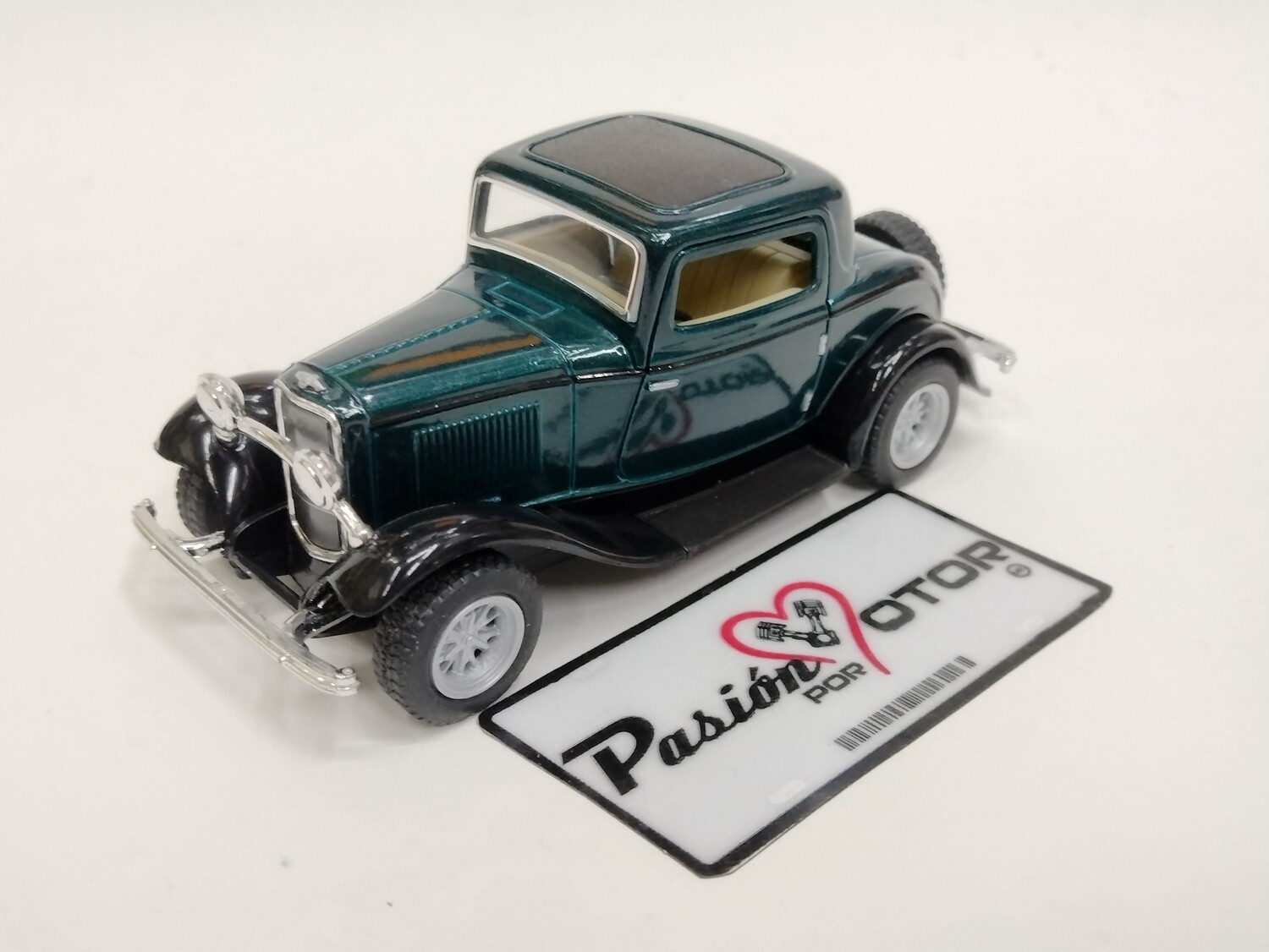 Kinsmart 1:34 Ford 3 Window Coupe 1932 Verde Display a Granel 1:32