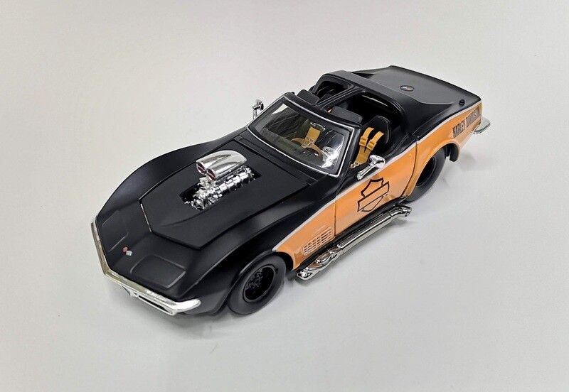 Maisto 1:24 Chevrolet Corvette Coupe Blower Engine 1970 Negro y Naranja Harley Davidson Display a Granel