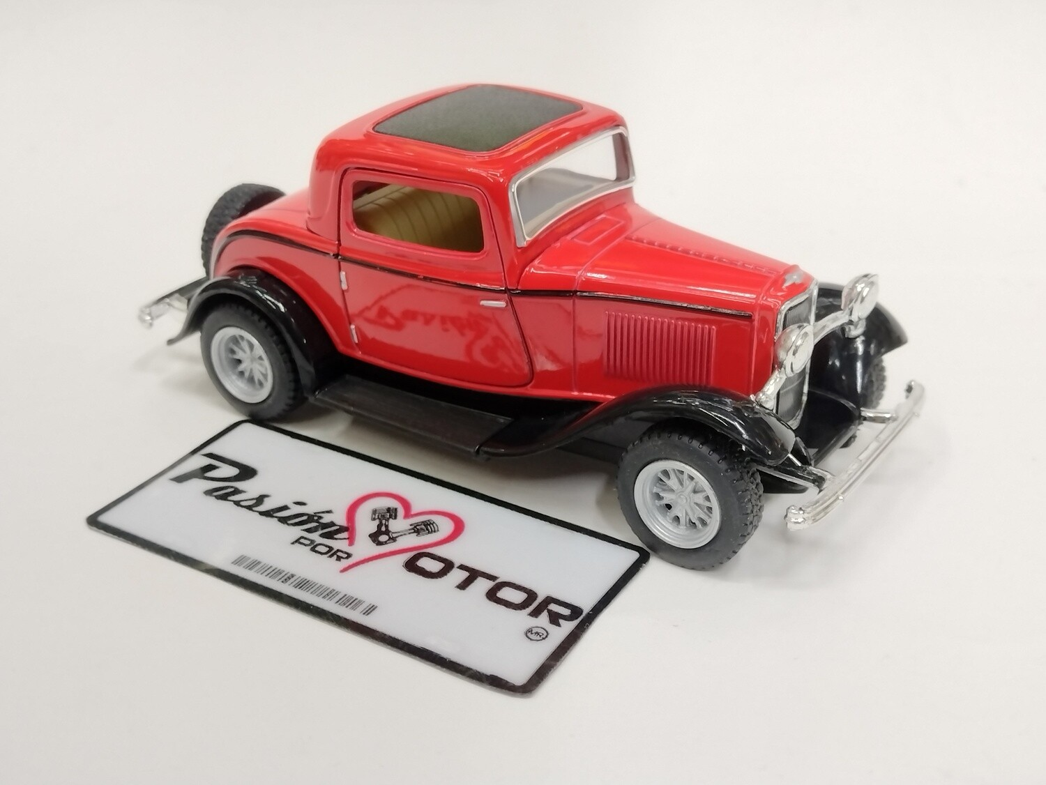Kinsmart 1:34 Ford 3 Window Coupe 1932 Rojo Display a Granel 1:32
