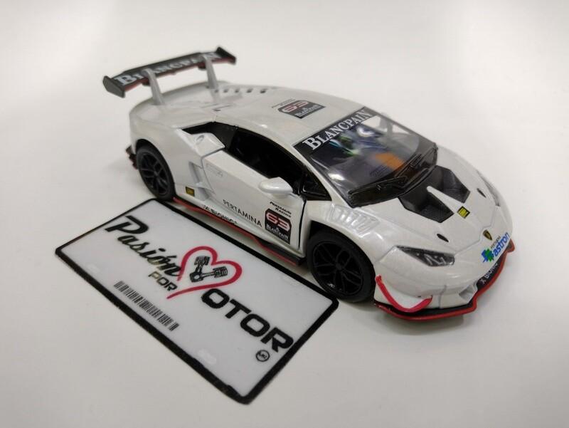 Kinsmart 1:36 Lamborghini Huracan LP620-2 Super Trofeo Coupe 2015 Blanco Display a Granel 1:32