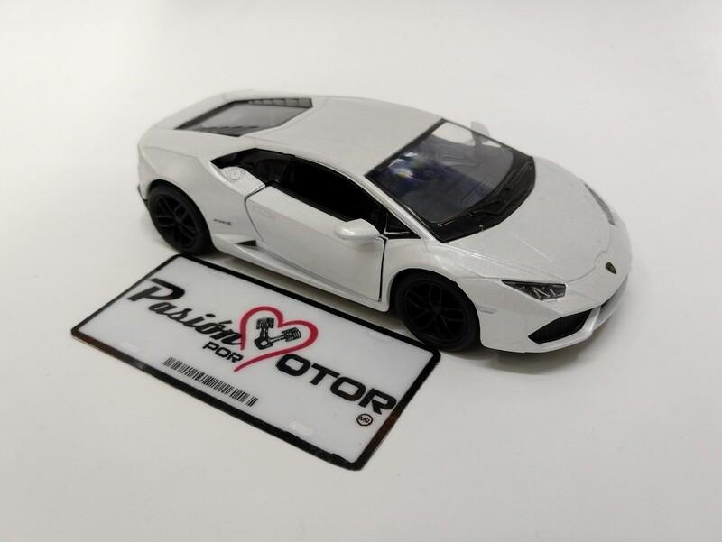 Kinsmart 1:36 Lamborghini Huracan LP610-4 Coupe 2014 Blanco Display a Granel