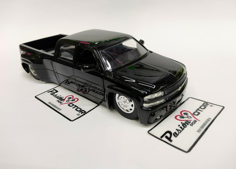 Jada Toys 1:24 Chevrolet Silverado Pick Up Dooley 1999 Negro Big Time Kustoms Con Caja