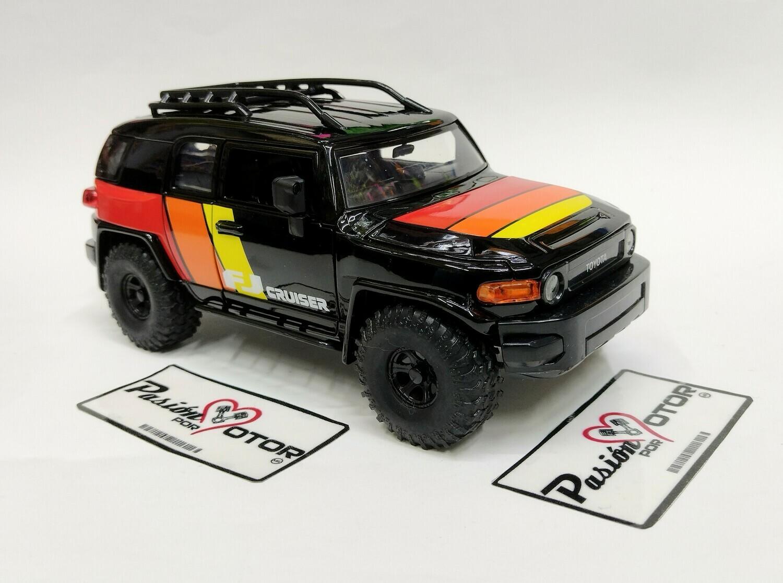 Jada Toys 1:24 Toyota FJ Cruiser Suv 2006 Negro c Graficos Just Trucks Con Caja