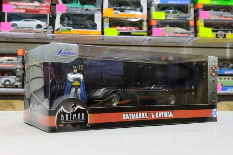 1:32 / 1:43 Batimovil Animated Series 1992 Con Figura de Batman Jada Toys Metals DC Comics En Caja