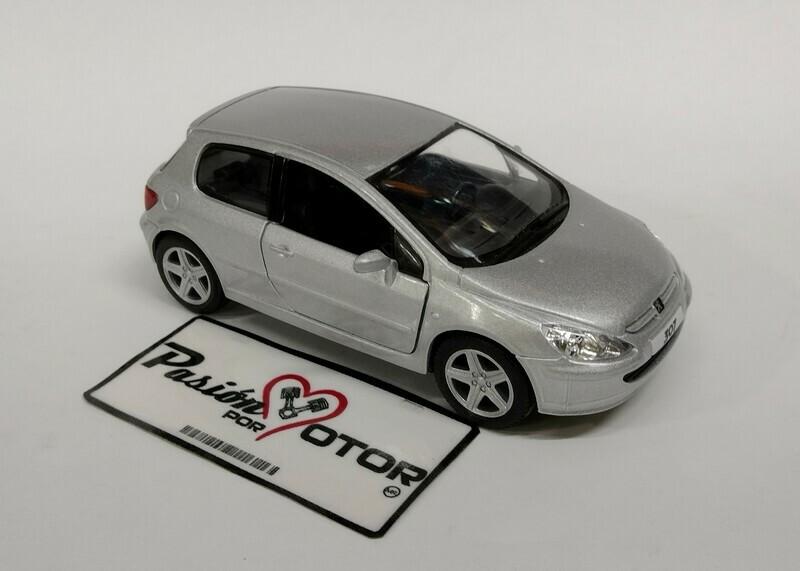 Kinsmart 1:34 Peugeot 307 Hatchback 2001 Plata Display a Granel 1:32