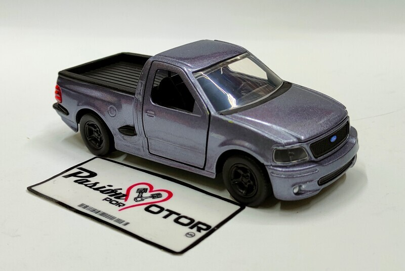 Jada Toys 1:41 Ford F-150 SVT Lightning Pick Up 1999 Gris Just Trucks En Caja 1:32