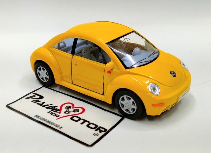 Kinsmart 1:32 Volkswagen New Beetle Coupe 1998 Amarillo Display a Granel