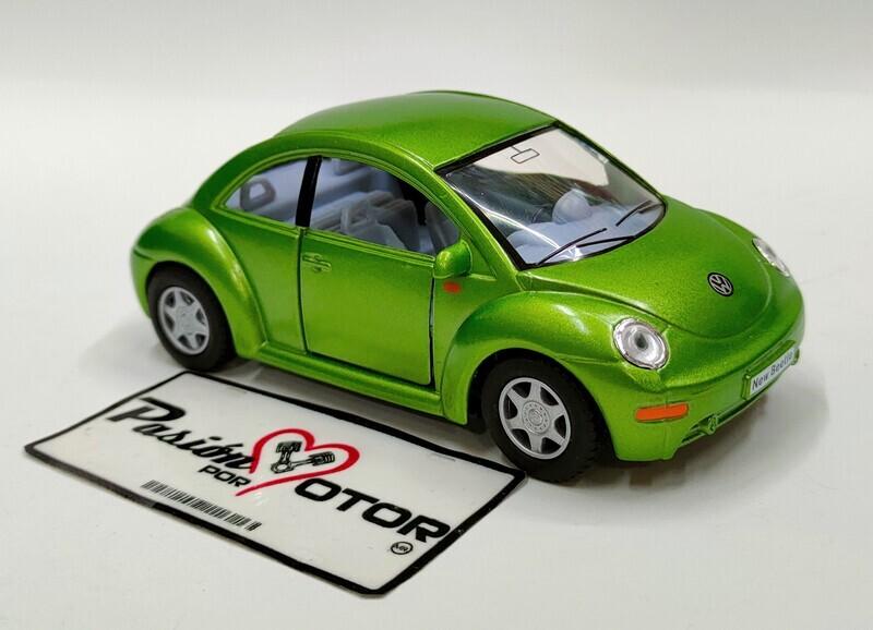 Kinsmart 1:32 Volkswagen New Beetle Coupe 1998 Verde Display a Granel