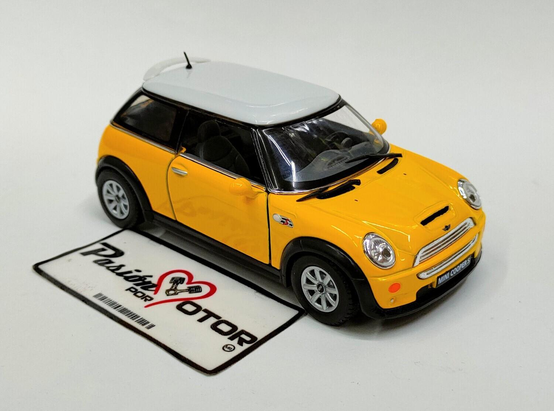 1:28 Mini Cooper S 2001 Amarillo c Blanco Kinsmart En Display / a Granel 1:32