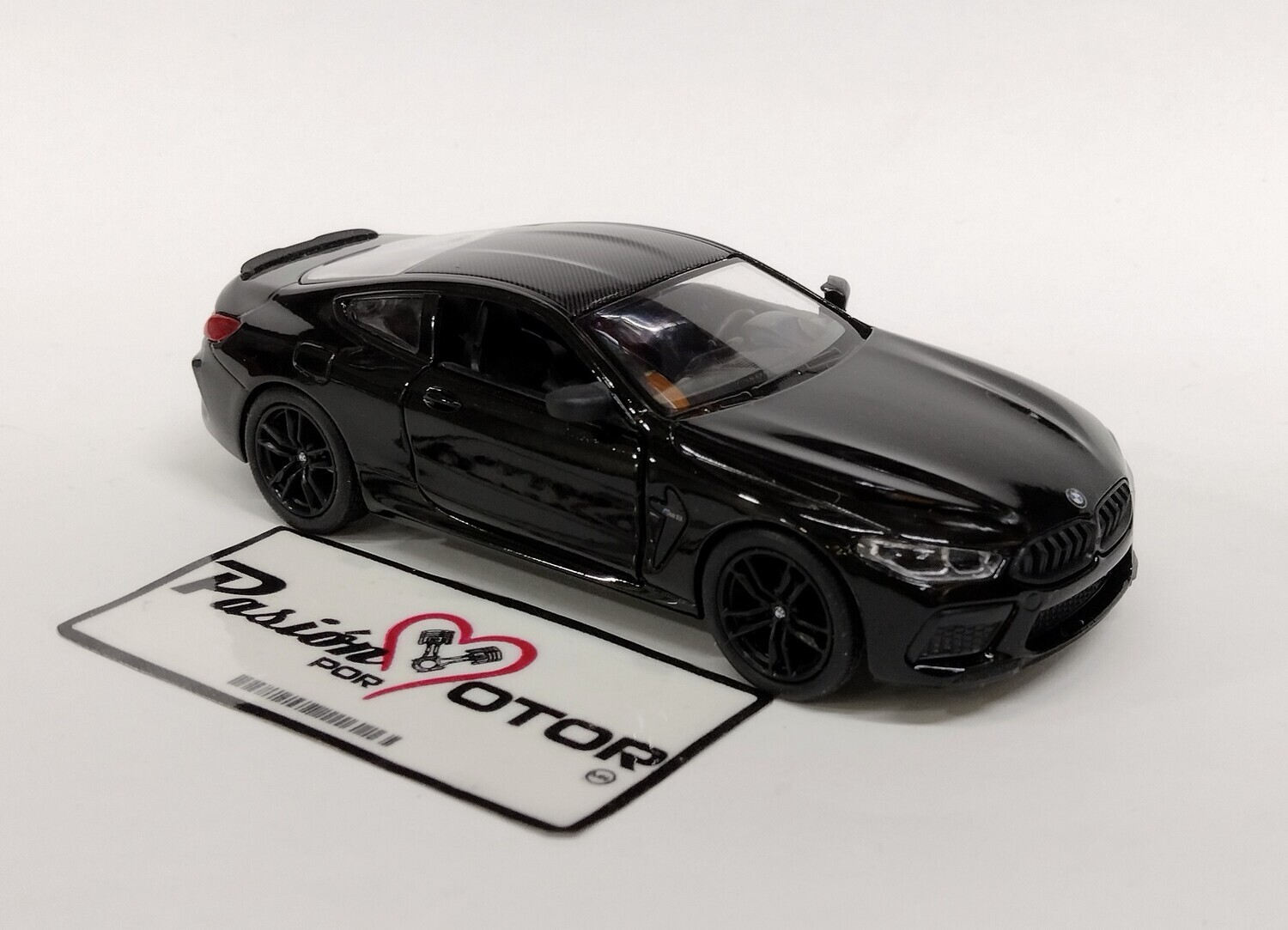 Kinsmart 1:38 BMW M8 Competition Coupe 2020 Negro Display a Granel 1:32