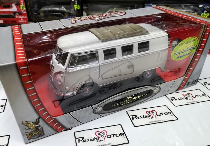 Lucky Die Cast Yat-Ming 1:18 Volkswagen T1 Microbus Camioneta Techo Deslizable 1962 Capuchino c Blanco Road Legends Con Caja