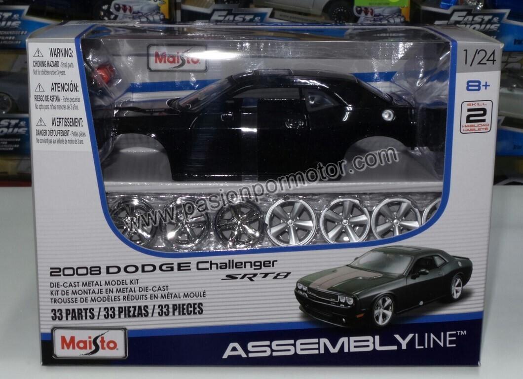 Maisto 1:24 Dodge Challenger SRT8 Coupe 2008 Negro y Naranja Assembly Line Con Caja P Armar