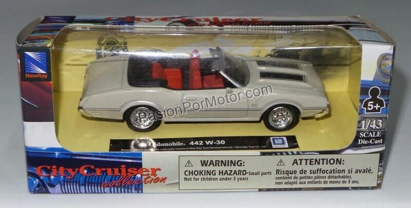 New Ray 1:43 Oldsmobile 442 W30 Convertible 1970  Blanco City Cruiser En Caja