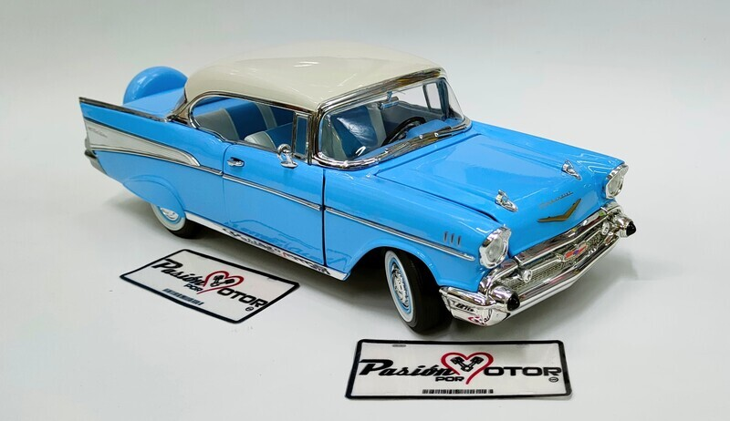 Lucky Die Cast 1:18 Chevrolet Bel Air Coupe Hard Top 1957 Azul con blanco Road Legends Con Caja