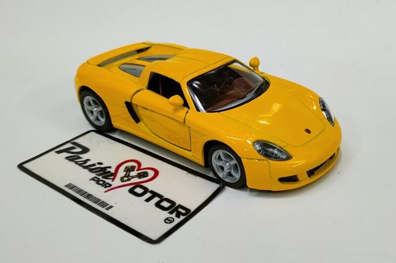 Kinsmart 1:36 Porsche Carrera GT Targa 2003 Amarillo Display a Granel 1:32