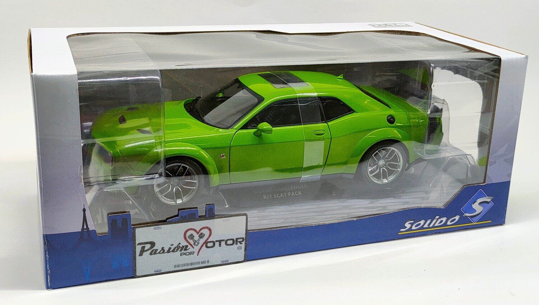1:18 Dodge Challenger R/T Scat Pack Coupe 2020 Verde Solido Con Caja