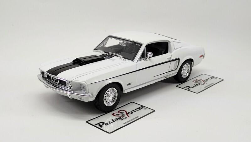 1:18 Ford Mustang Cobra Jet Fastback 1968 Blanco Maisto Special Edition Con Caja