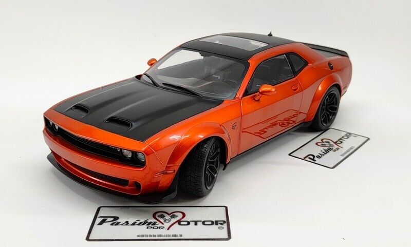 1:18 Dodge Challenger R/T Wide Body Coupe 2020 Naranja Solido Con Caja