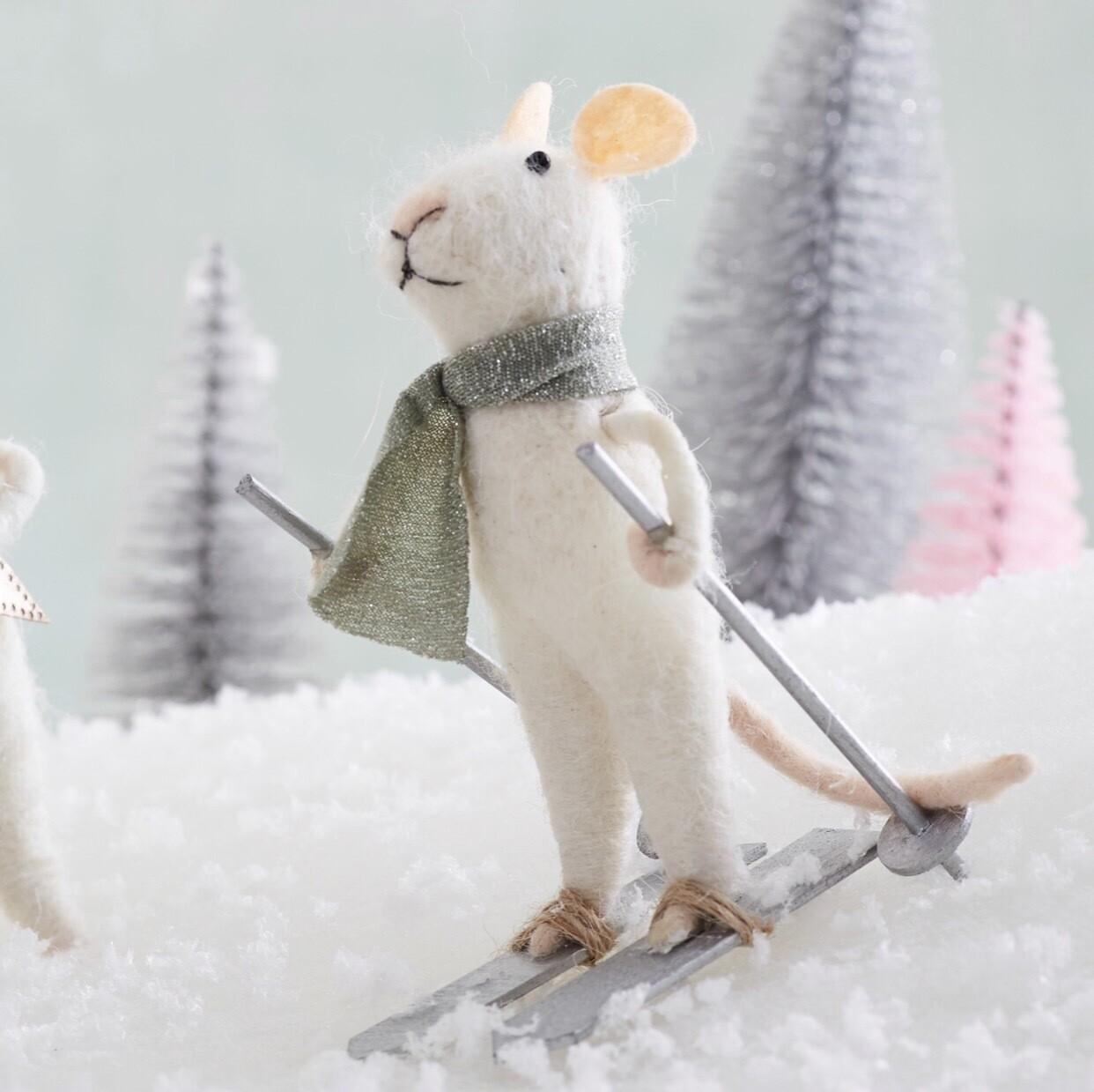 Skiing Wonderland Felt Mouse Decoration