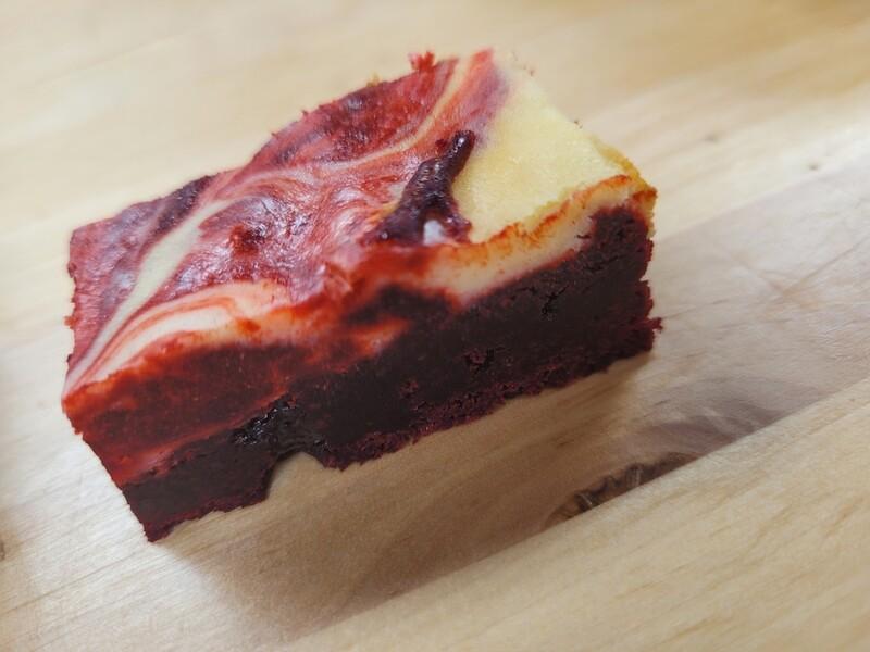 Red velvet brownine cheesecake