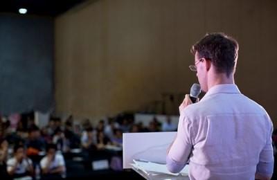 Minicurso: Oratória. A arte de falar em público
