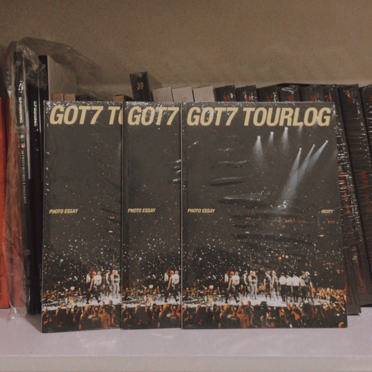 GOT7 DYE TOURLOG ESSAY