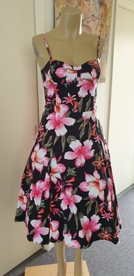 Miss Anne Hibiscus Size 12