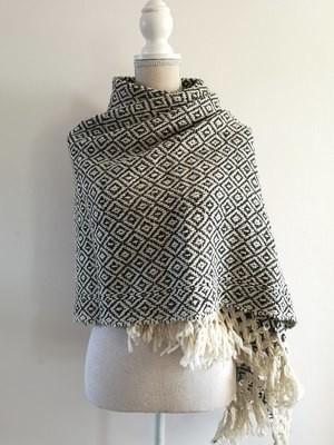 Handmade Natural Wool Rebozo Black and White