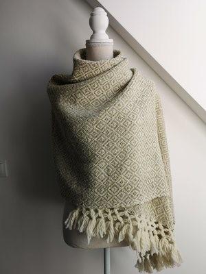 Handmade Natural Wool Rebozo White and beige.