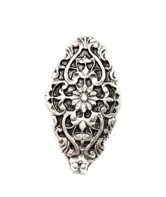 Anello ovale decorato
